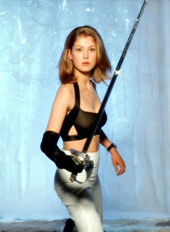 rosamund pike rankings opinions lists rankings about rosamund pike die another day 2002 bond and bond
