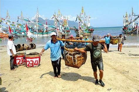 Ikan Keranjang Bali muncar ujung timur pulau jawa anak nelayan