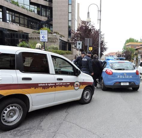 toniolo genzano aggredisce una guardia giurata e la manda in ospedale