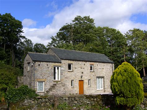 the stables in kirkby lonsdale this detached cottage