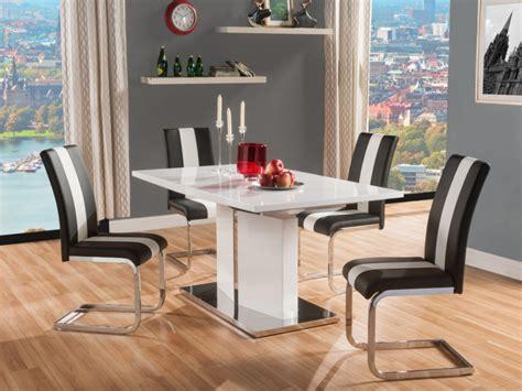 stoelen wit zwart eetkamerset eettafel 4 stoelen trinity wit en zwart
