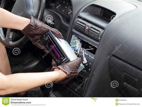 Auto Klauen by Thief Stealing A Car Radio Stock Images Image 25494404