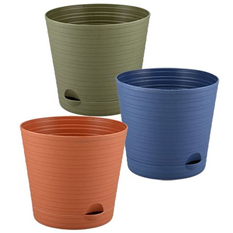 Plastic Planters by Bulk Plastic Planters With Spouted Saucers 6 25 In