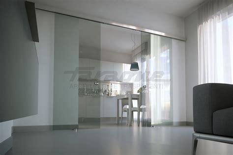 porte divisorie scorrevoli in vetro velo la porta scorrevole tuttovetro dal design minimale