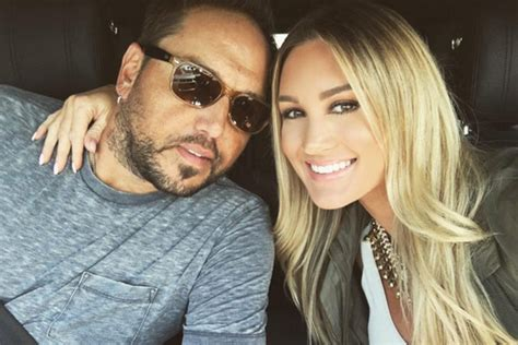 2016 jason aldean wife jason aldean and his wife s road trip continues country