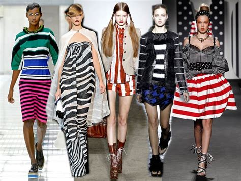 Rok Mini Skirt Motif Stipes Stripe Hitam Putih Import siapa berani pake baju motif stripes ini majalah ouch