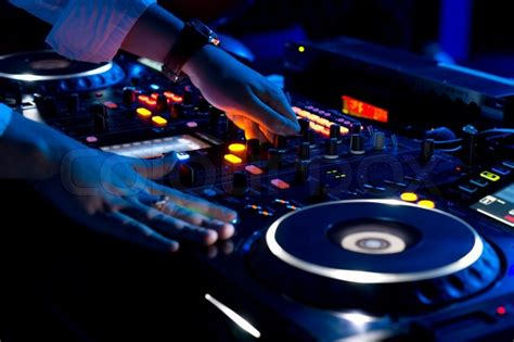 dj mix top 5 questions to ask your wedding dj about music for