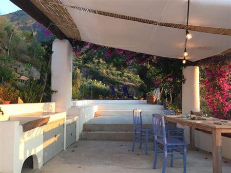 terrazzi con ringhiera come trasformare la tua terrazza in una perfetta oasi
