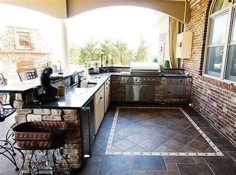 outdoor kitchen ideas for small spaces best 20 small outdoor kitchens ideas on