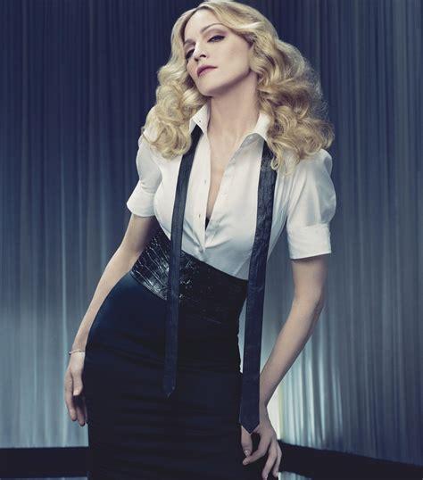 Madonna For Hm Billboard Vandalized by Mujer De La Semana Madonna Fmdos