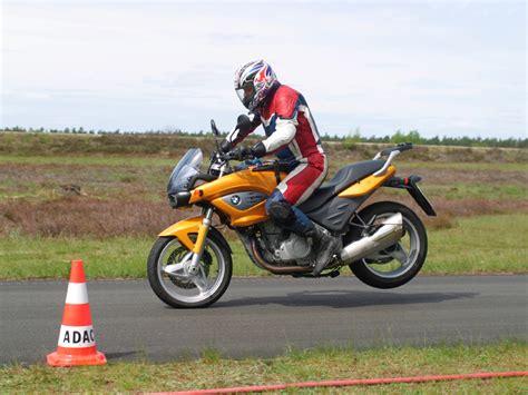 Motorrad Das Magazin by Adac Motorrad Abs Dringend Notwendig Feuerstuhl Das