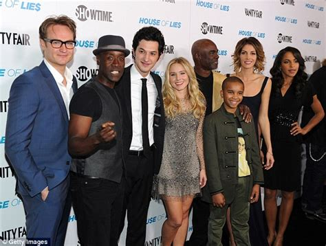cast of house of lies don cheadle and kristen bell s house of lies is picked up by showtime for a fifth