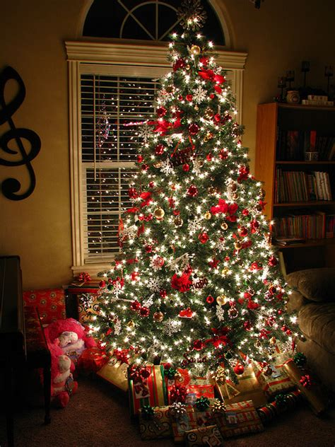 pretty decorated christmas trees glowing tree pictures photos and images for and