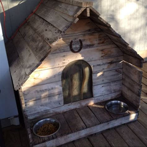 how to make a dog house with pallets 17 best images about a pallet dog house on pinterest pallet wood dog houses and dogs