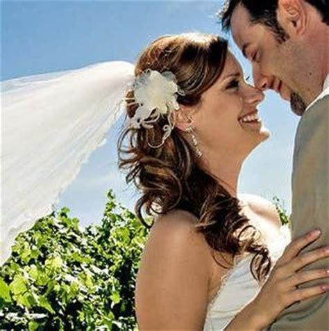 simple ponytail  veil weddingbee