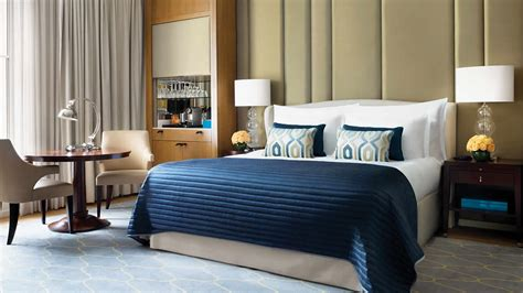 superior king room luxury hotel rooms london corinthia