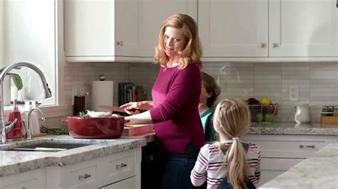 rogers commercial actress mom excedrin commercial has a headache who is the woman in