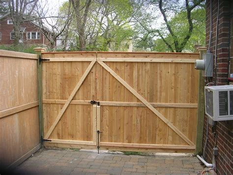 25 best ideas about wood fence gates on pinterest fence gate wood privacy fence and backyard