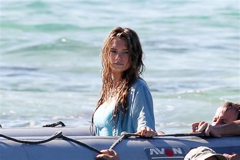 film blue lagoon 2013 indiana evans and brenton thwaites film blue lagoon in