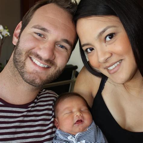 biography of nick vujicic wife kanae miyahara life without limbs nick vujicic s wife