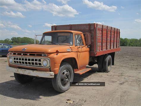 ford dump trucks 1965 ford f600 grain dump truck