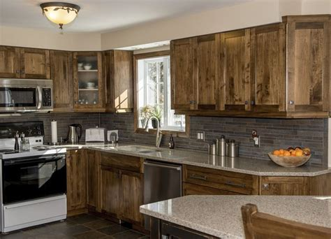 wormy maple kitchen cabinets 1000 images about maple kitchens on pinterest quartz