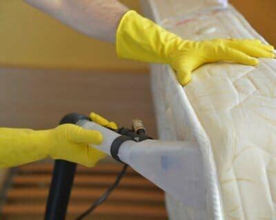 smacchiare materasso come togliere macchie di pipi dal materasso rimedi