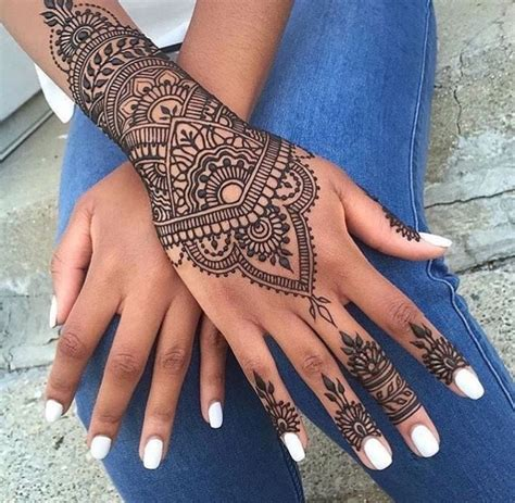 hand tattoo uk the 25 best ideas about mehndi on pinterest henna