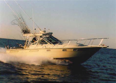 small boat on lake erie lake erie charter boat fishing for walleye perch steelhead