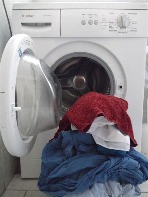 If You Run Out Of Clean Clothes Wear A Tablecloth Like Kate by Now Its Time To Wash Your Clothes You Should Use A Well