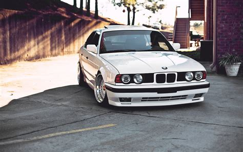 desktop themes bmw bmw e34 wallpapers images photos pictures backgrounds