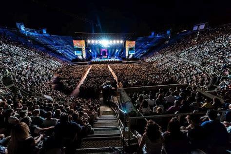 arena di verona ingresso gran finale all arena di verona per il festival show 2017