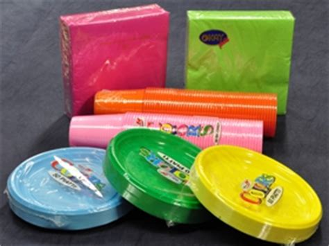 piatti e bicchieri di plastica piatti plastica per feste colori per dipingere sulla pelle