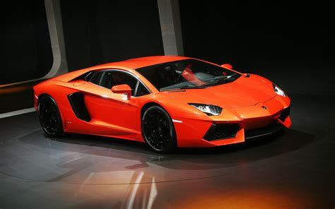 lamborghini aventador wallpaper lamborghini aventador wallpapers hd wallpapers id 9675
