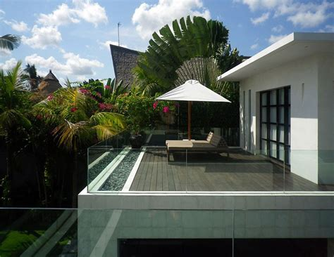 Pool And Outdoor Kitchen Designs by Exterior Modern Contemporary Rooftop Balcony Design With