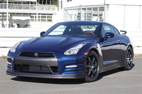 nissan skyline 2015 blue 2015 nissan gt r drive photo gallery autoblog