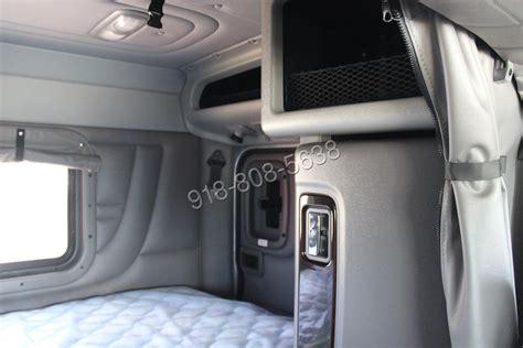 Peterbilt Sleeper Interior by Peterbilt 389 Sleeper Interior Www Pixshark Images