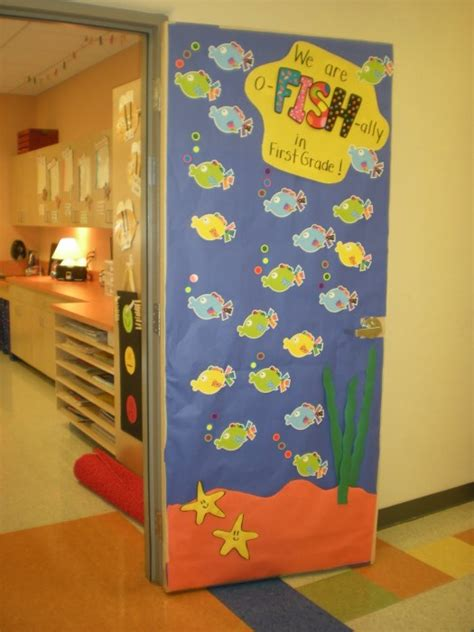 School Door Decorations by 53 Classroom Door Decoration Projects For Teachers