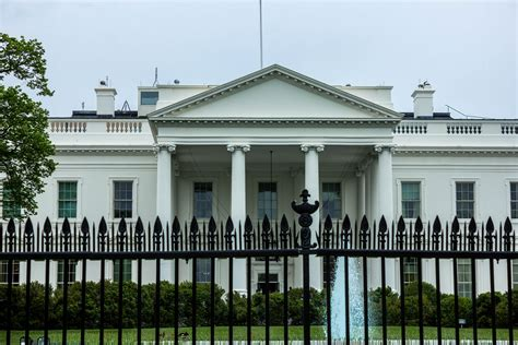 public house dc free stock photo of gated white house in washington dc public domain photo cc0 images