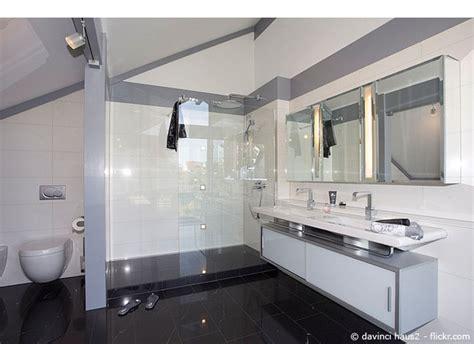 Badezimmer Modern Nur Mit Dusche by Bodengleiche Dusche Barrierefreiheit Im Badezimmer Teil