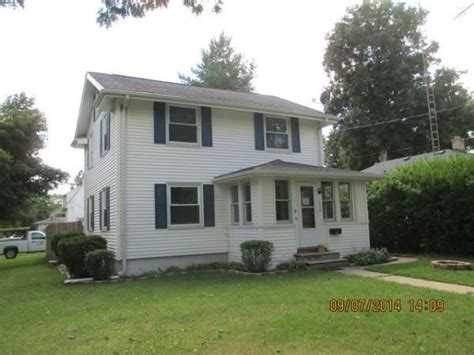 1422 clark st janesville wi 53545 reo home details