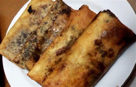 cara membuat pisang coklat kulit lumpia resep membuat piscok pisang coklat halhalal
