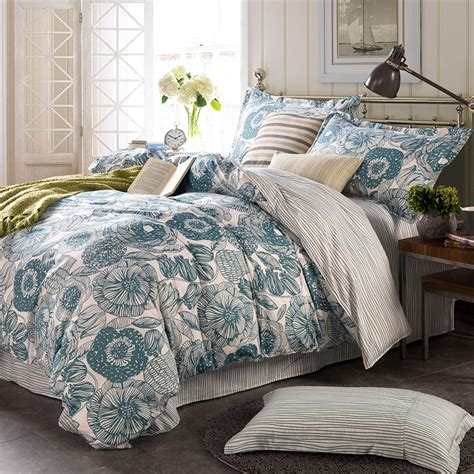 Bed Bigland Flora White light blue and white floral cotton bedding set ebeddingsets