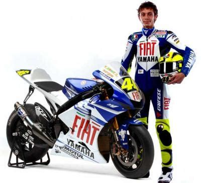 Kaos Valentino The Doctor Became Legend valentino the most popular motorcycle racer in the