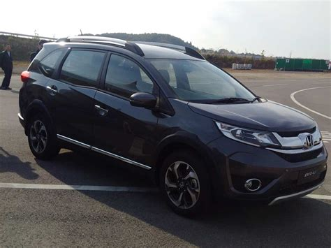 renault 7 seater suv renault to launch 7 seater suv autos weblog