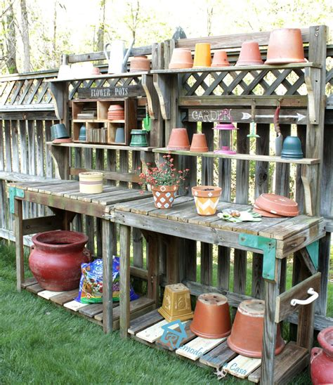 Cinder Block Home Plans by Old And Rustic Diy Potting Bench With Storage And Floating
