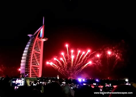 dubai new year countdown cheers to 2014 the world s largest fireworks display