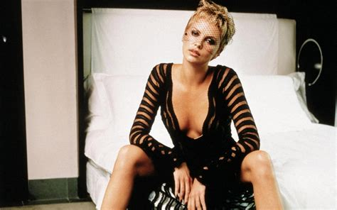 commercial model height charlize theron hairstyle trends charlize theron hot