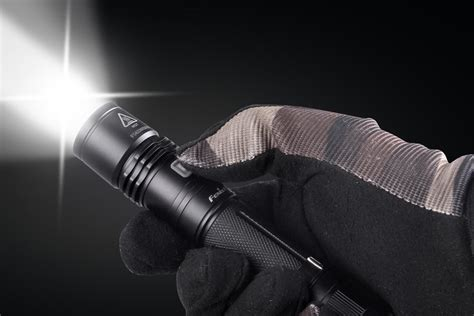 lights flash to fenix pd35 flashlight 960 lumens cree xm l 2 u2 led