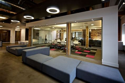 tech office design an open office may be bad for you here s why meeting
